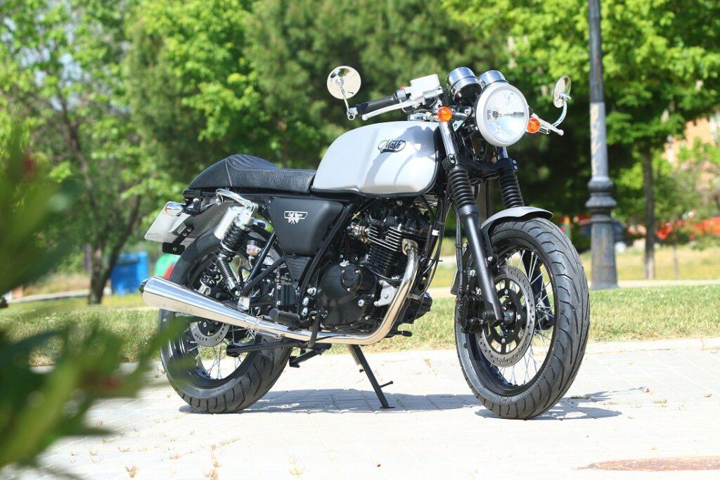 Mash Café Racer Black Mat 125